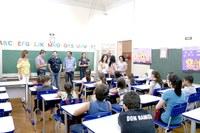Vereadores visitam escolas no primeiro dia de aula, em Ariranha